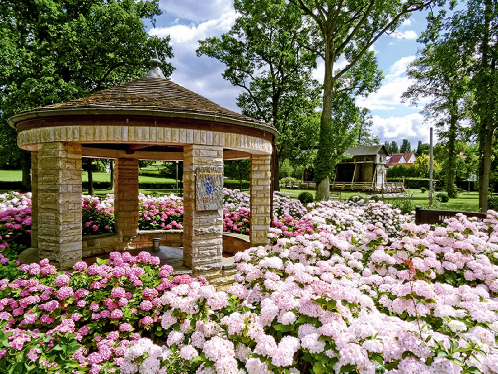 St. Annen-Brunnentempel im Kur-und Landschaftspark