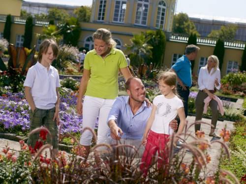 Familie in den Herrenhäuser Gärten