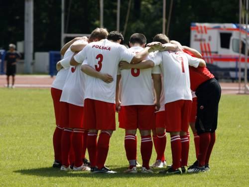 Eine Aufnahme vom Internationalen Hannover Cup 2012: Das polnische Team stimmt sich auf ein Spiel ein