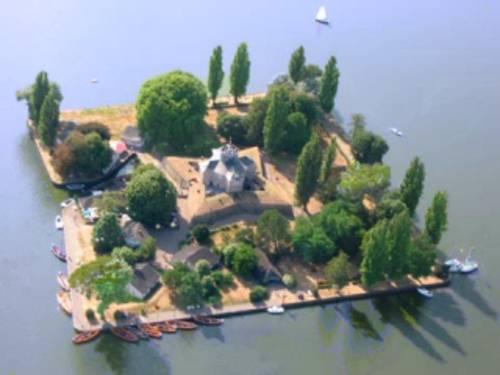 Luftbild von einer Insel