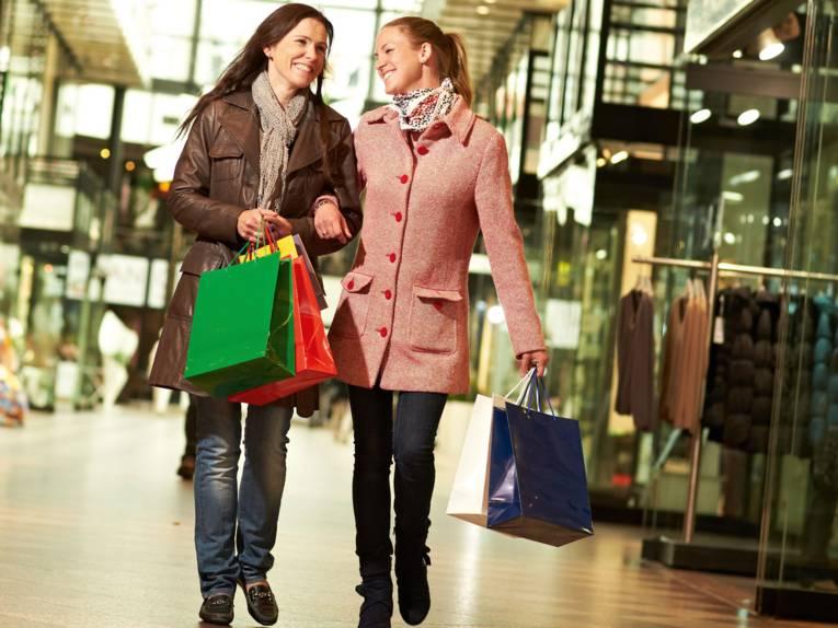 Shoppende Frauen in der Galerie Luise