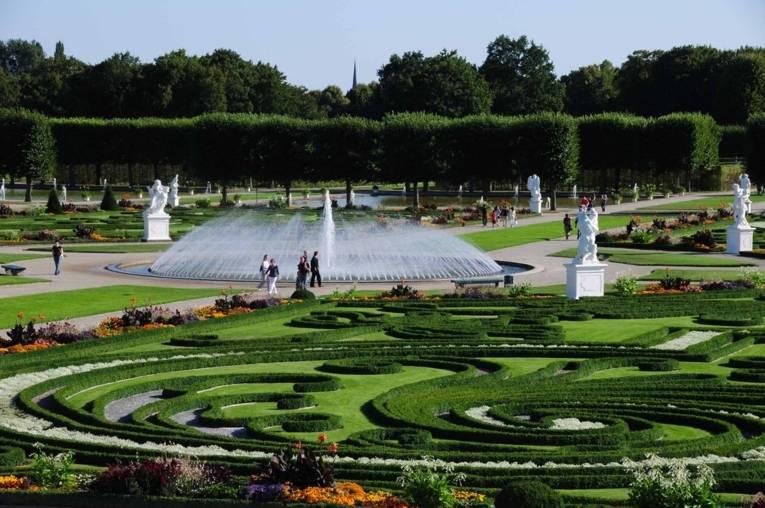Royal Garden I fountain