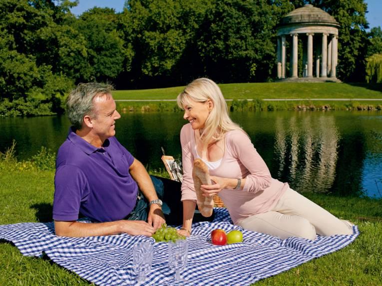 Couple at the Royal Gardens