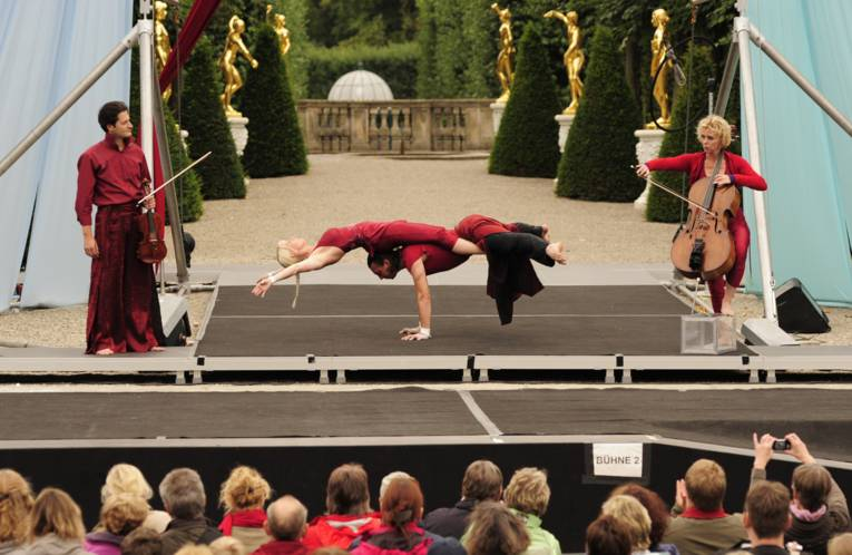 Kleines Fest im Großen Garten Show Gartentheater