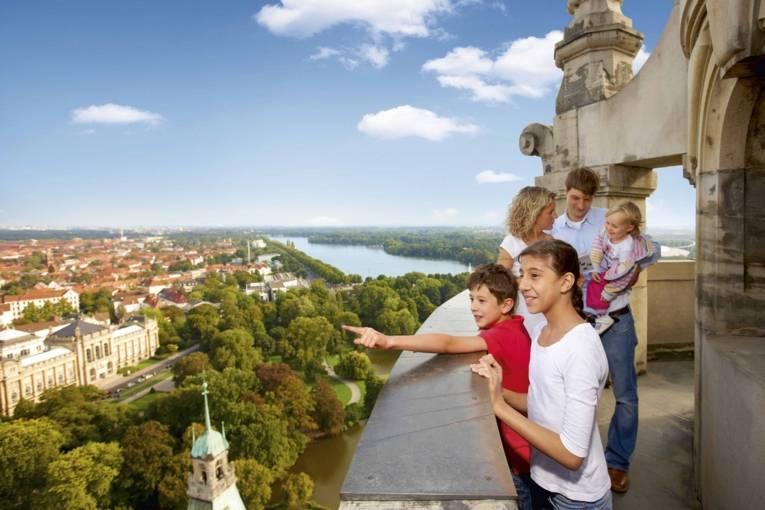 Familie auf der Rathauskuppel