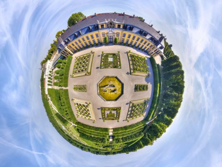 360 Grad Panorama Ansicht Großer Garten