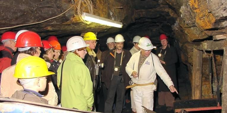 Menschen im Bergwerk