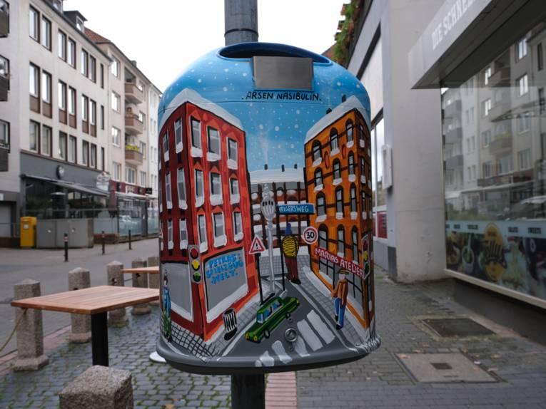 Künstlerischer Mülleimer am Volgersweg 17
