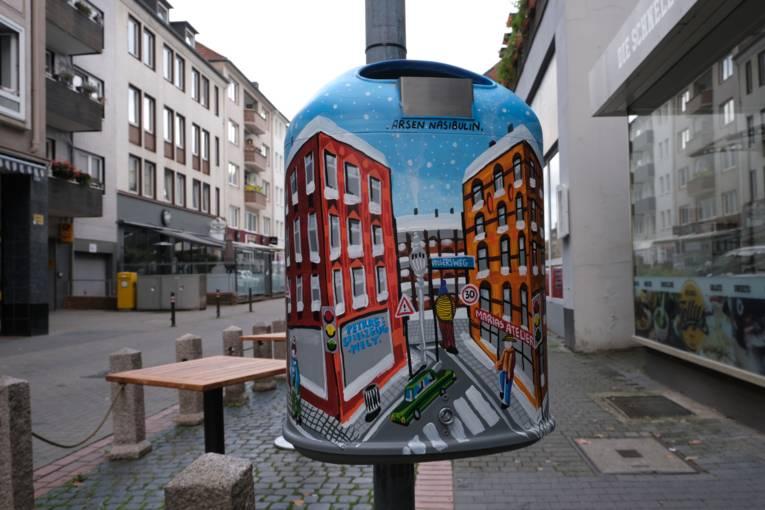 Künstlerischer Mülleimer im Volgersweg 17