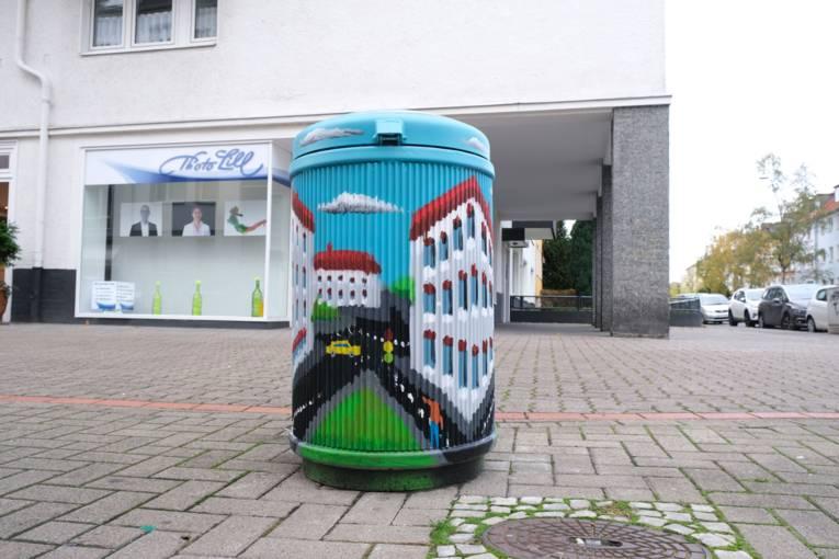 Künstlerischer Mülleimer im Volgersweg/Eichstraße