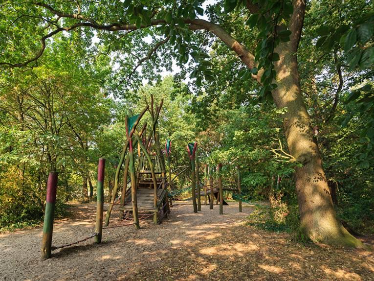 Amtspark mit Drachenspielplatz in Burgwedel