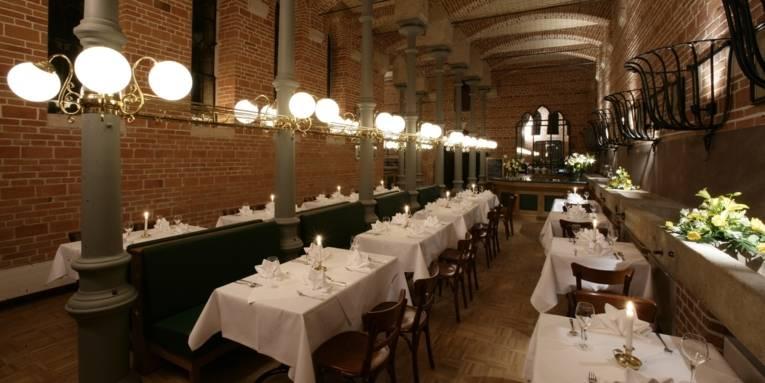 Eingedeckte Tische im Schlossrestaurant Marienburg
