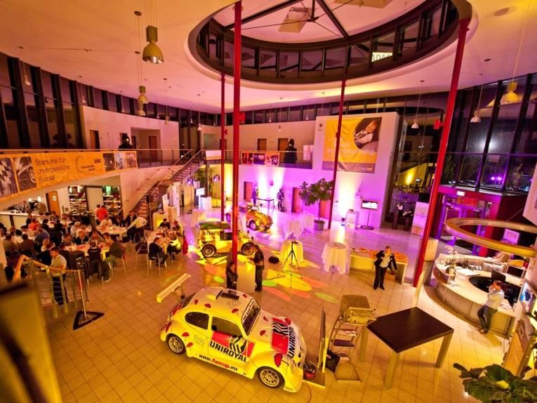 Ausstellungshalle im ADAC Fahrsicherheitszentrum