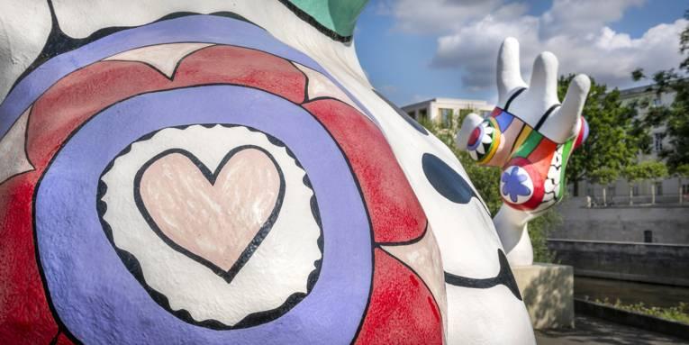 Niki de Saint Phalle | Nanas Panorma