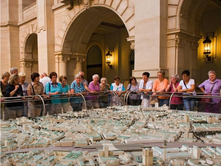Stadtmodelle im Neuen Rathaus