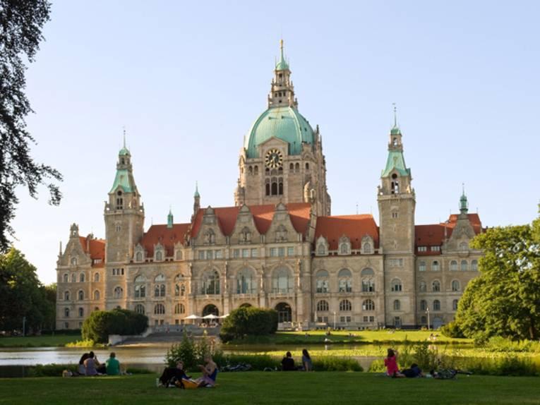 Neues Rathaus mit Maschsteich