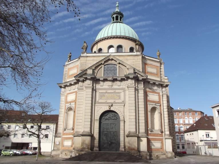 Kirche von außen.