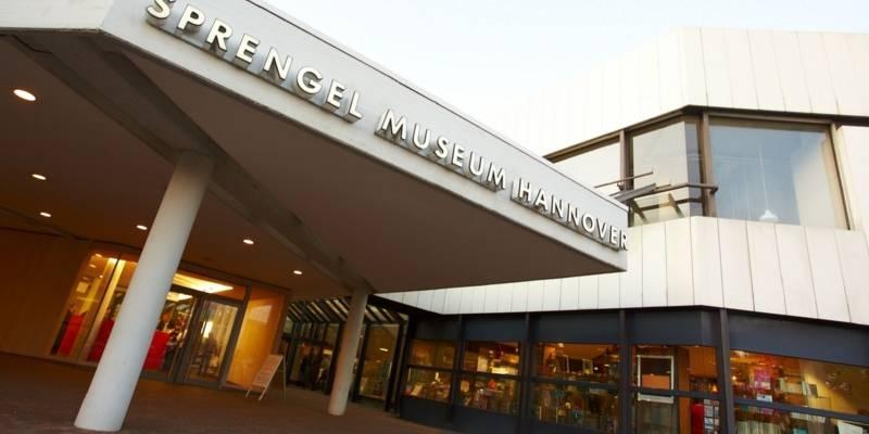 Das Sprengelmuseum in der Frontansicht