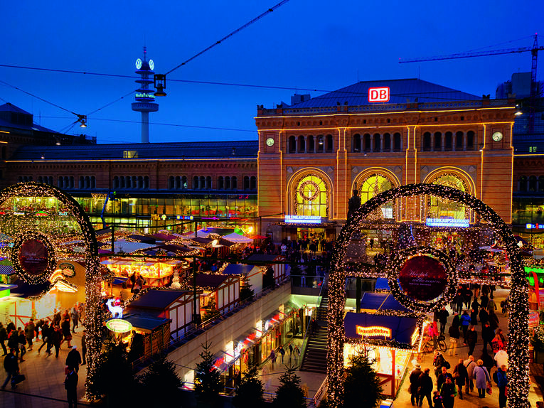 Christmas market Hannover Main Station