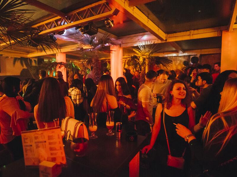 havana clubs nightlife visit hannover home nightlife. Black Bedroom Furniture Sets. Home Design Ideas