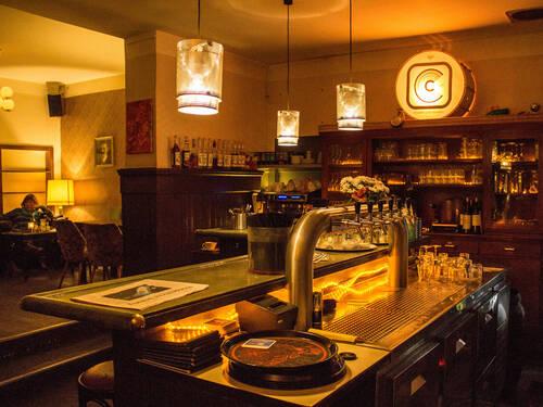 pubs party nightlife visit hannover home visit. Black Bedroom Furniture Sets. Home Design Ideas