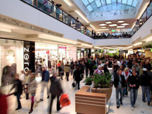 Hannover Outlet shopping lifestyle nightlife event highlights culture